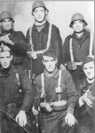 Milicianos del Batallón Octubre, de la JSU de Euzkadi. 1937 ETXEBARRIA