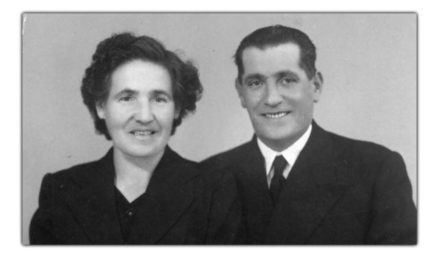Julia  y Demetrio en una foto enviada desde el exilio francés a sus parientes.