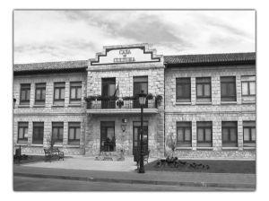 Durante la República las escuelas de Villarcayo llevaron el nombre del ministrso de Instrucción Pública, Marcelino Domingo.